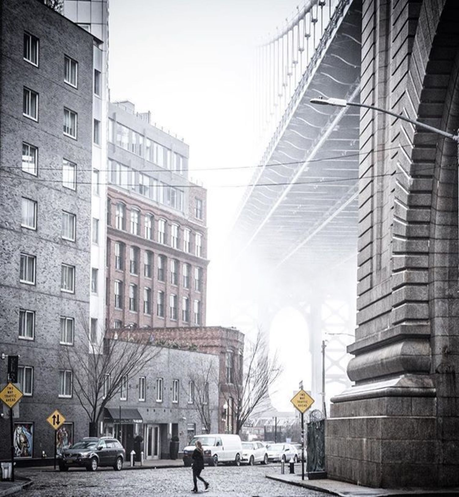 Dumbo, Brooklyn. Photo via @bklyn_block #viewingnyc #newyork #newyorkcity #nyc #manhattanbridge #dumbo