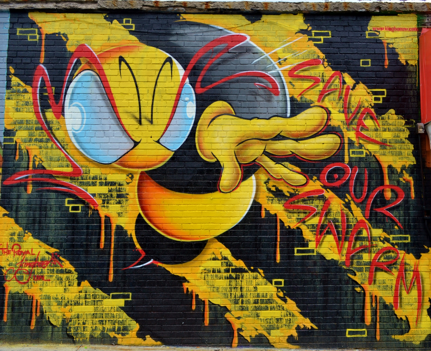 Welling Court: The Royal Kingbee, 9.21.14 | A visit to the Welling Court Mural Project in Queens on 9.21.14. With 5 Pointz gone, Welling Court has become the new graffiti center in the borough. I'll try to include the individual artists, great talent/ work from everyone.