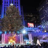 Rockefeller Center, New York, New York. Photo via @queensnycmag #viewingnyc #newyork #newyorkcity #nyc