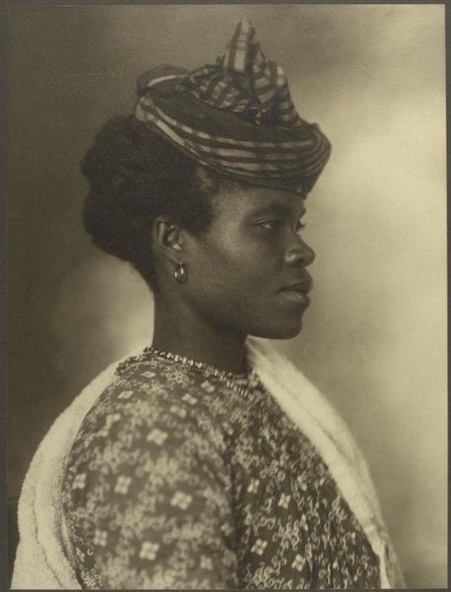 A Guadeloupean woman. Portraits for Ellis Island.