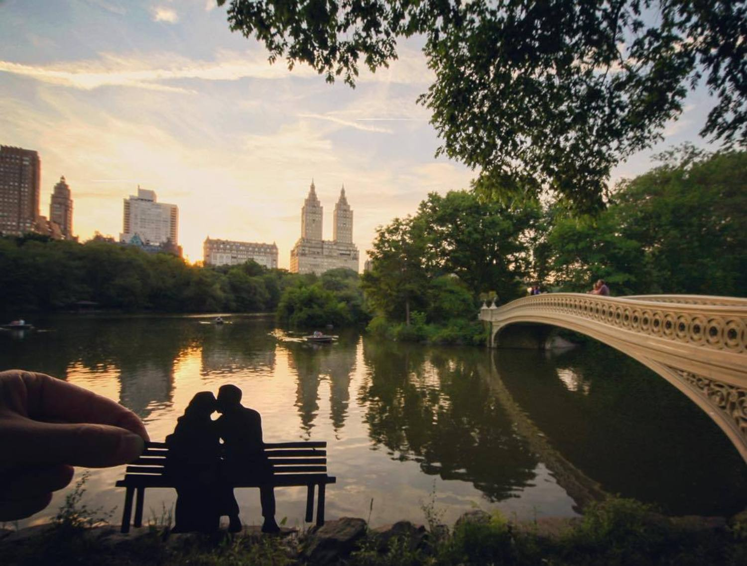 The most romantic spot in the city? (For other great spots in NYC, check out @lonelyplanet 's app. Link in bio) #CentralPark @CentralParkNYC @CentralParkNewYork #Bench #Couple #NewYork #NYC #Skyline #SeeYourCity @NYC #InstagramNYC @NewYorkCity #NYCInstantly #nycphotographer #nycblogger #Paper #Paperart #Cityscape #Silhouette @newyork_instagram @newyork #thecreatorsclass #illgrammers #createcommune #photography #artofvisuals #visualsoflife #travelawesome #newyorker #Romantic #USA #Lovers #Romance #LonelyPlanet #Reflections #Reflection