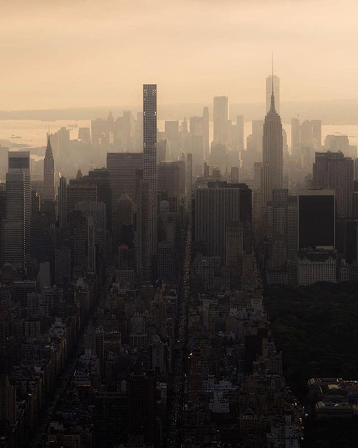 New York, New York. Photo via @killianmoore #viewingnyc #newyorkcity #newyork #nyc