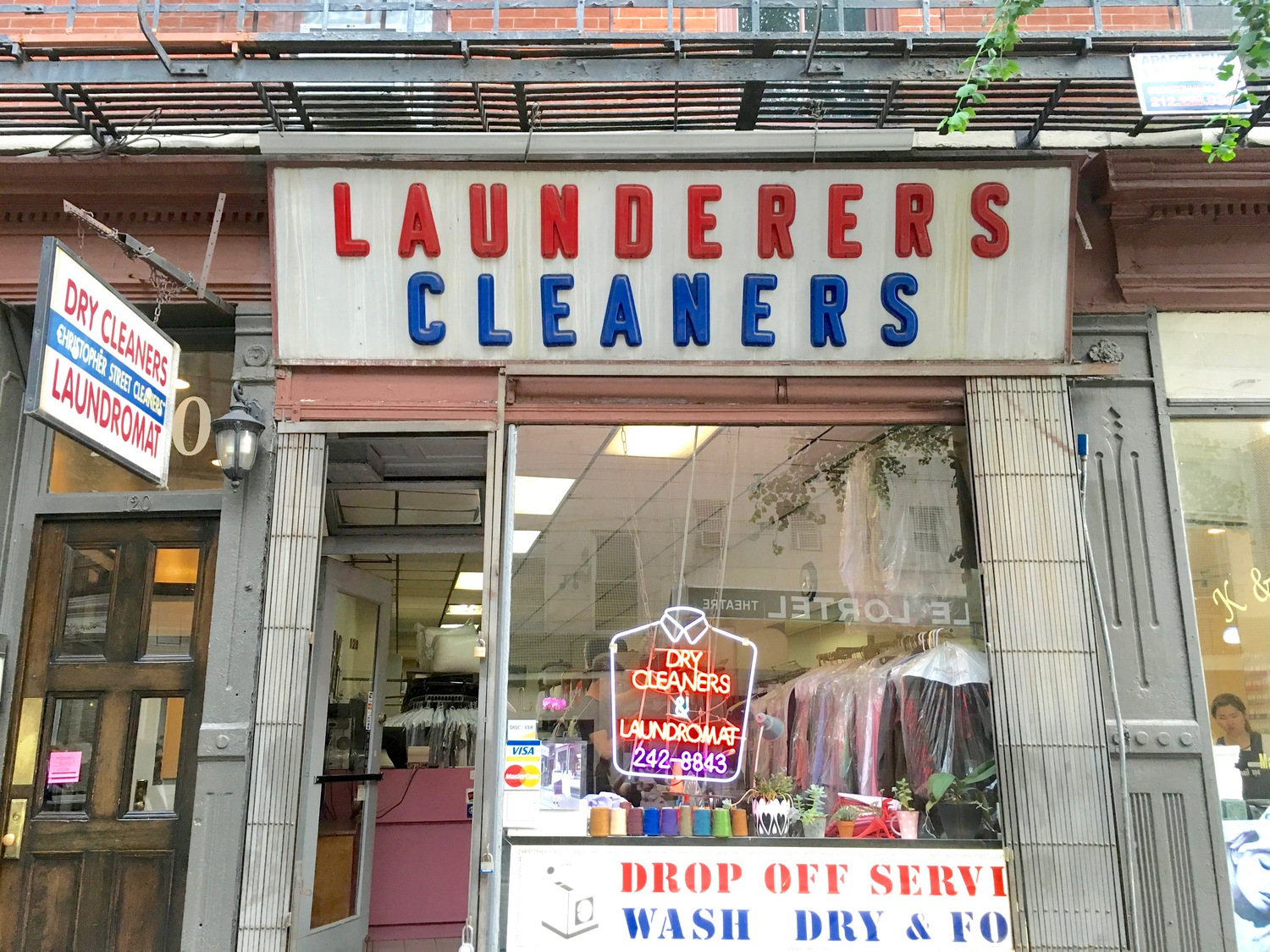 Launderers Cleaners