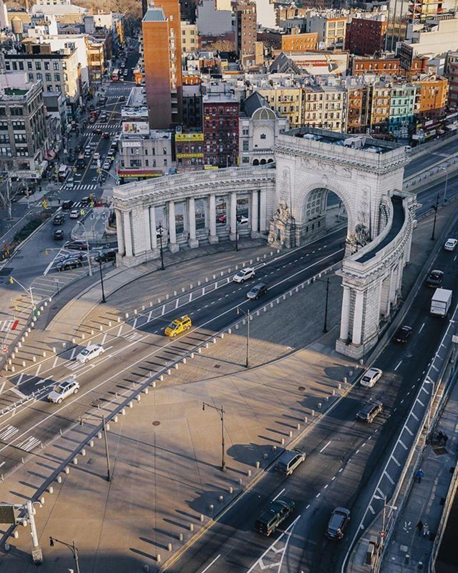 Manhattan Bridge, New York, New York. Photo via @ceos_downbeat #viewingnyc #newyorkcity #newyork #nyc #manhattanbridge