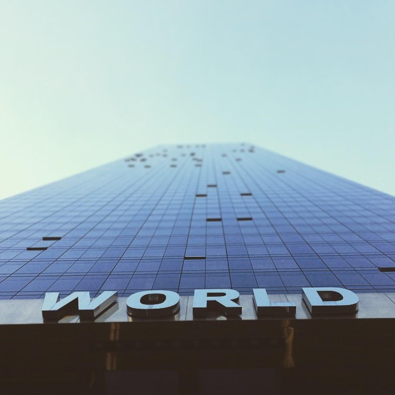 head's up, world. 〰