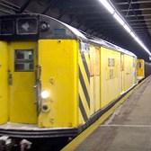 ⁴ᴷ Rare: R21 De-Icer Train Passing Pelham Parkway