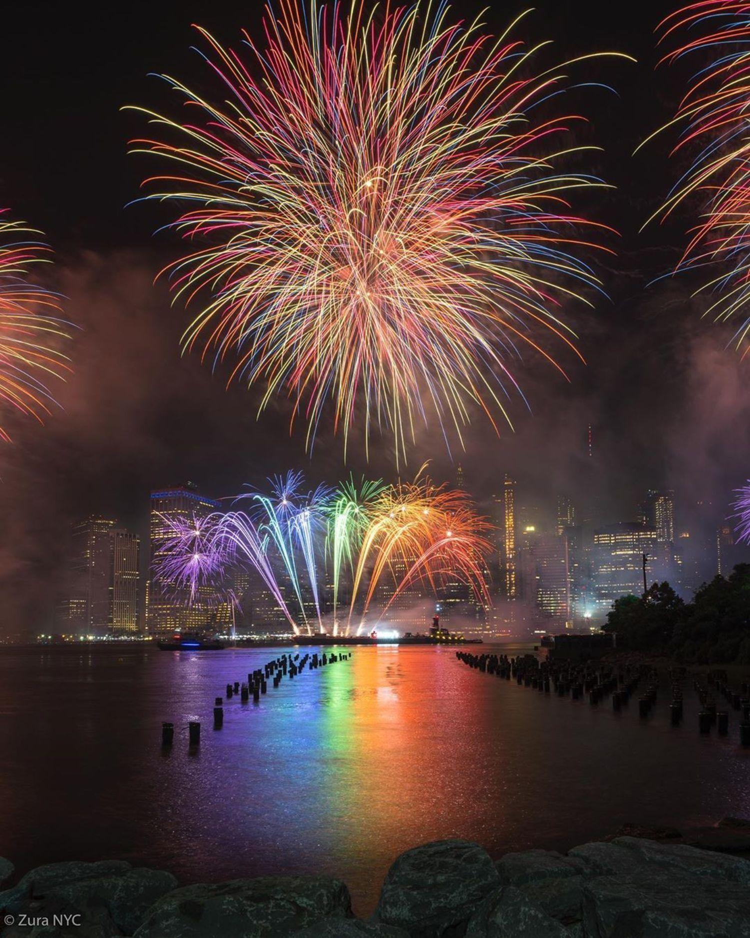 Independence Day 2019 ! 🎆🎉🇺🇸 ******************************************************* My new account. 🔶@NewYork_feature  #zuranyc ******************************************************* @sonyalpha Sony A7RIII + Sony GM 12-24mm • • • ******************************************************** #sonyalpha  #newyorkcity  #loves_nyc #nycgo  #nypix  #travelnyc #nycprimeshot #ig_nycity #newyork_instagram #what_i_saw_in_nyc #newyork_ig #nyloveyou #nycityworld #iloveny #newyork_feature  #Picturesofnewyork #instagramnyc #lensbible  #topnewyorkphoto #beautifuldestinations #icapture_nyc  #nycprime_ladies #ignyc #nycdotgram #nycstreets #nycity #newyorkgram #newyorkcitylife #nycviews