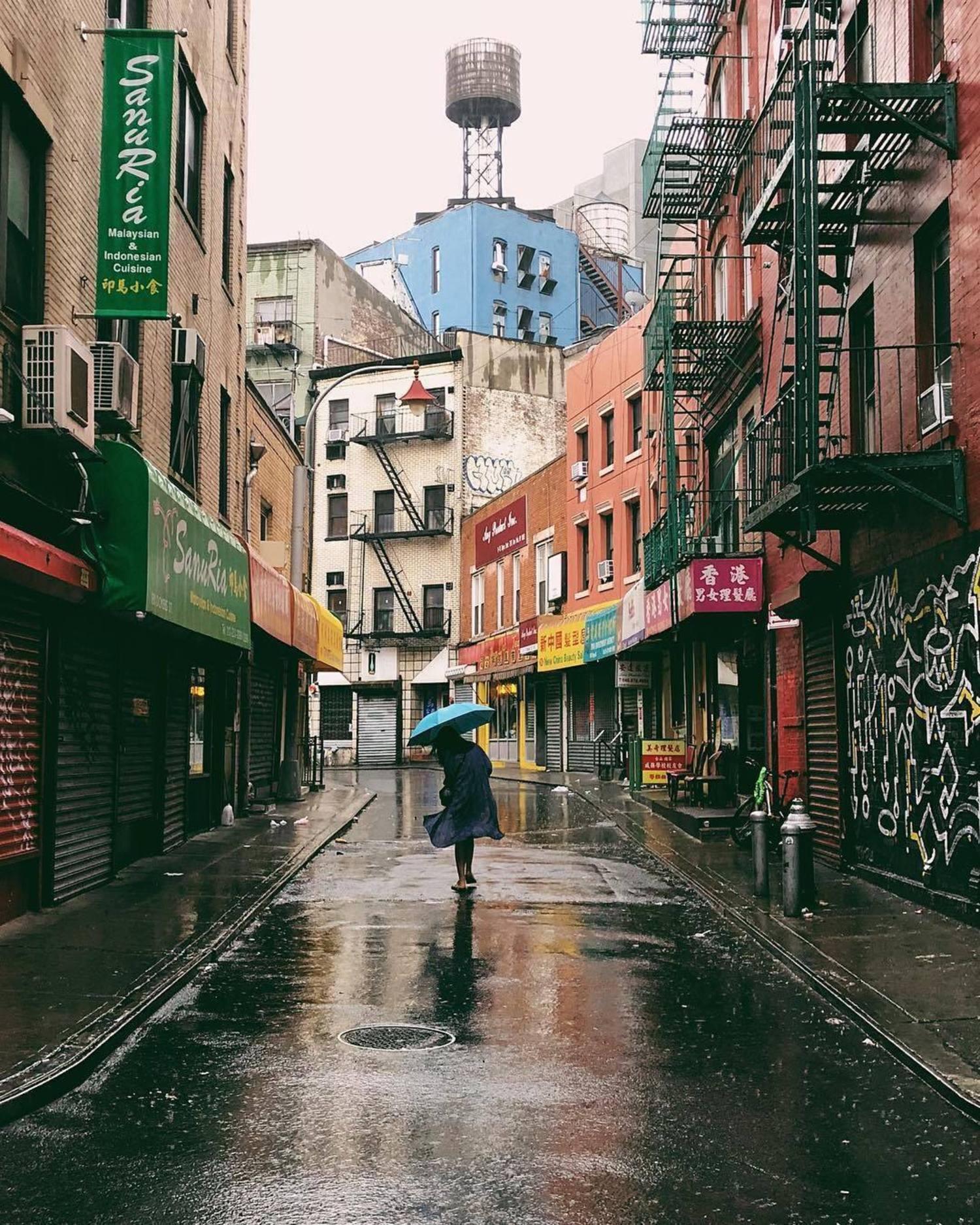 Doyers Street, Chinatown, Manhattan. Photo via @iwyndt #viewingnyc #newyorkcity #newyork #nyc #rain