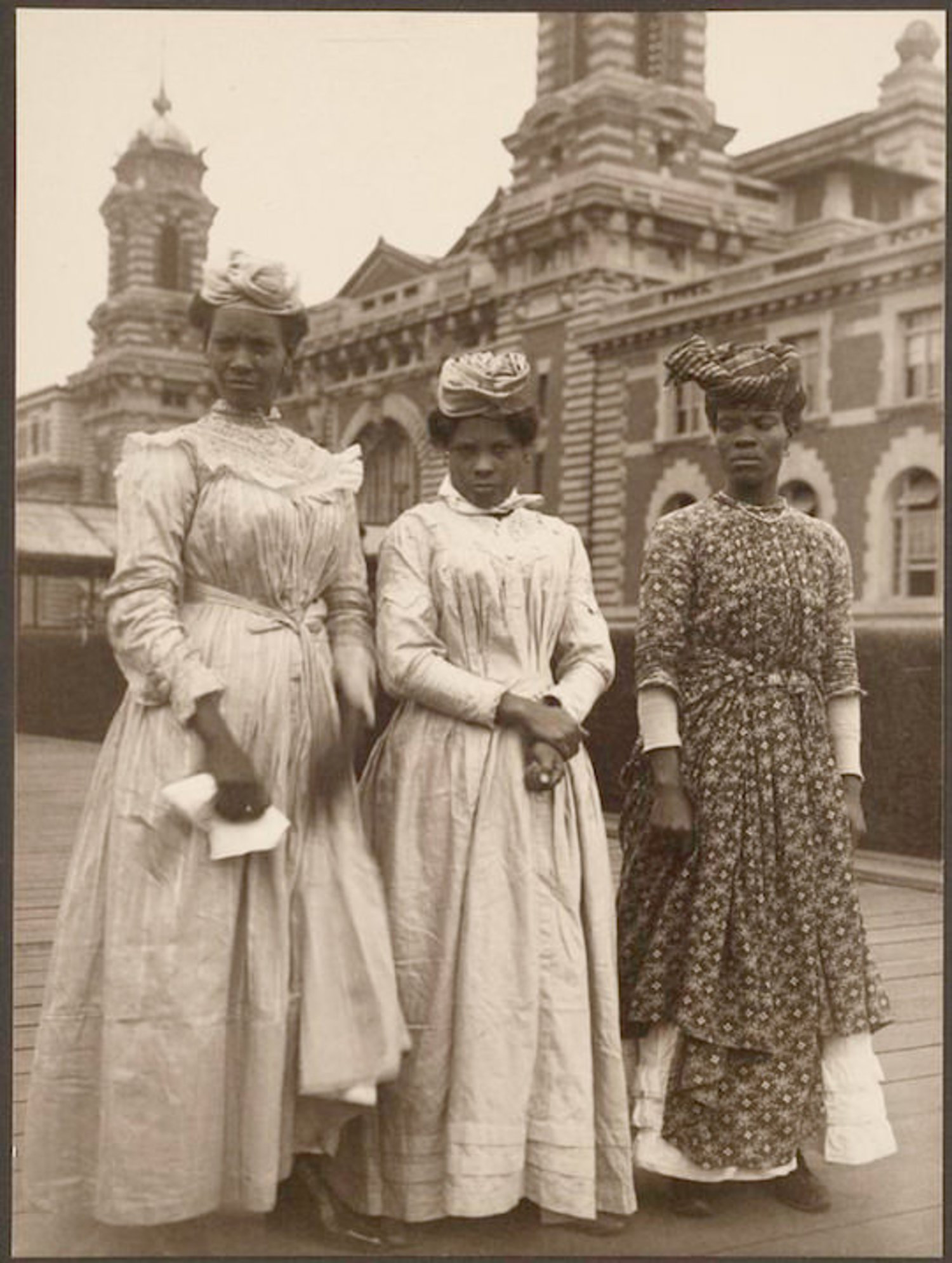 Three women from Guadeloupe. Portraits for Ellis Island.