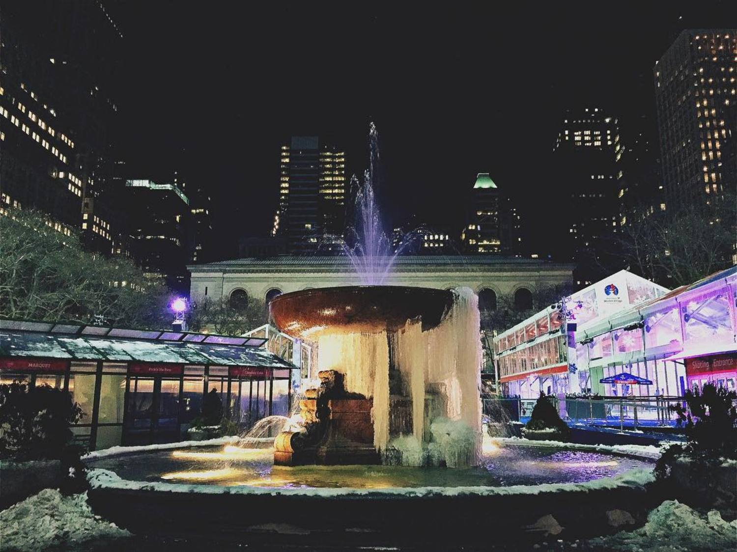 They say it's a #frozenfountain, they say. #iwenttocollegesoicouldworkthegraveyardshift #concretejungle #thehappynow #myofficeisbetterthanyours #brrryantpark #wintervillage #winteriscoming