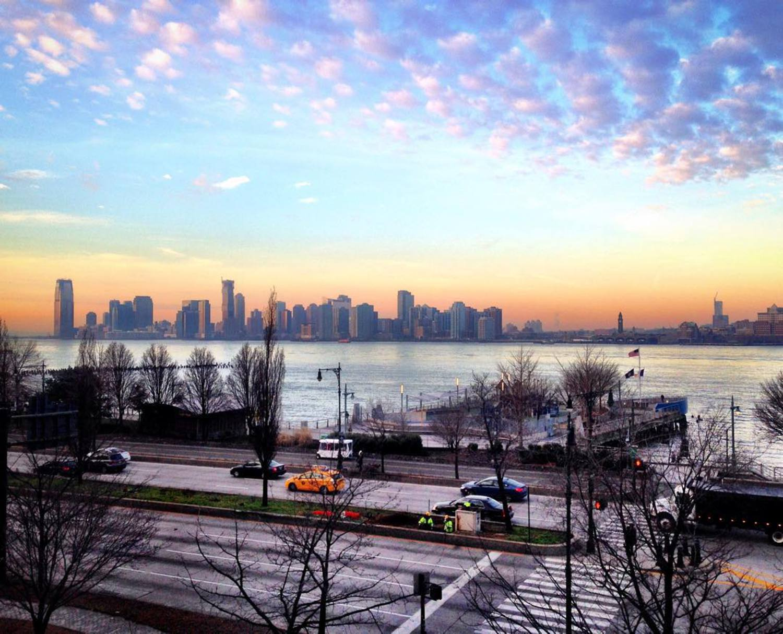 Surreal light this crisp morn lighting up the Hudson, happy Friday! X
