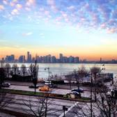 Surreal light this crisp morn lighting up the Hudson, happy Friday! X
