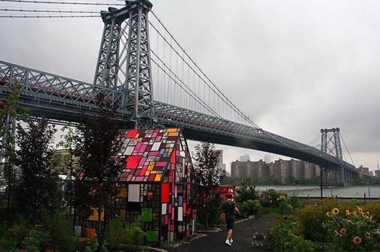 Williamsburg Bridge, New York, New York. Photo via @juliansilvermanphoto #viewingnyc #newyorkcity #newyork #nyc