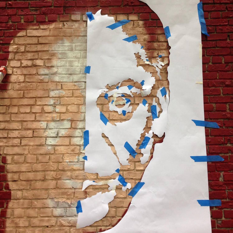 So cool! #rodneydangerfield #kewgardens #streetart #murals #literarypaintings @literarypaintings @501seestreets @ny1