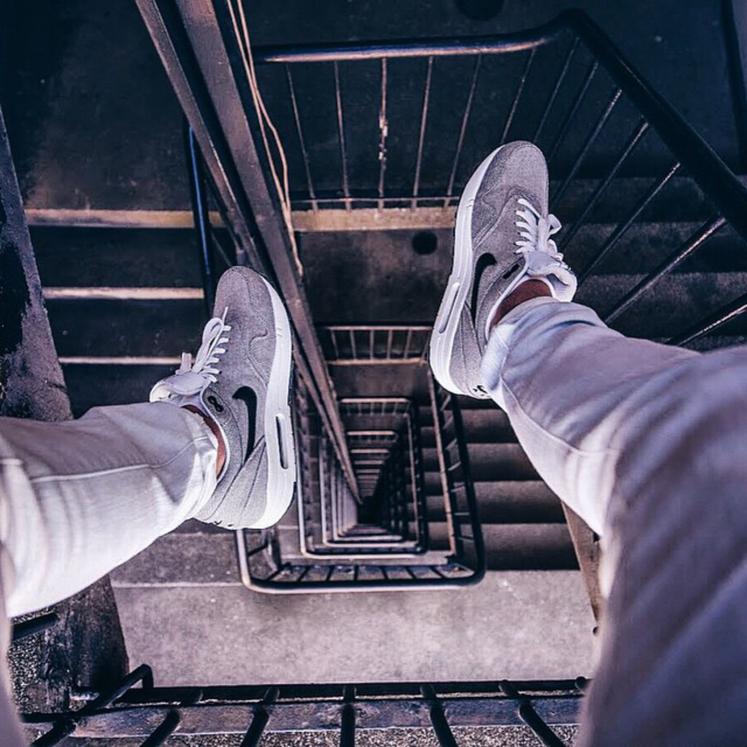 • Looking down with @nike •  Had a cool hour shooting with some great photographers before I had to head home! This was the product of sitting on a precarious handrail shooting my beloved #nike Air max 😉 check out @mrollieali for the behind the scenes shot of this - and the rest of his awesome feed!