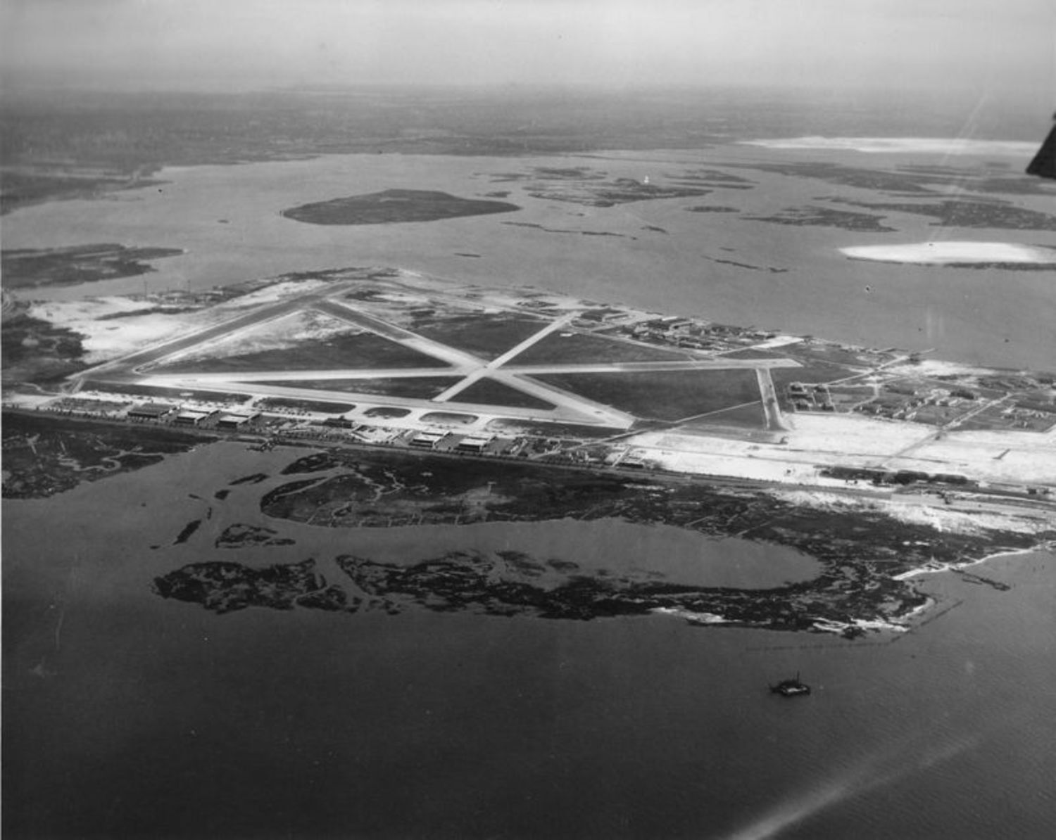Aerial view of Floyd Bennett Field in the 1940s.