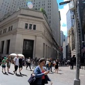 ⁴ᴷ Quick walk in NYC through Wall Street and the Financial District during lunchtime