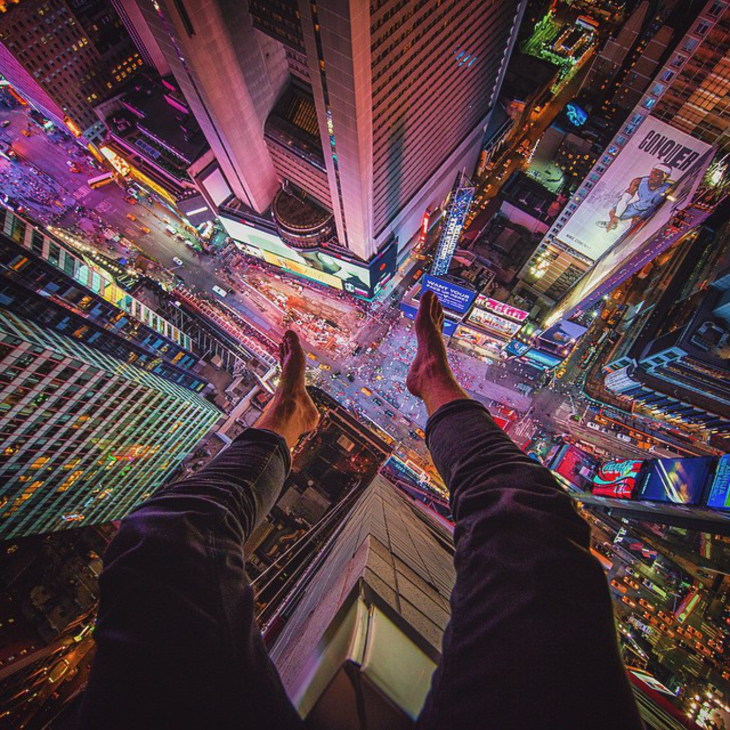 • #BareFeetFirst •  So I'm starting a new hashtag from today called #BareFeetFirst - it's pretty self explanatory but incase your not sure, forget the shoes next time you shoot your classic looking down shots and go bare (only your shoes and socks though - don't need to see anything else) 😂🙌 This is me above Times Square last night shooting with @mjinnyc 😍