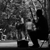 Chinese erhu player creates haunting music in NYC's Central Park
