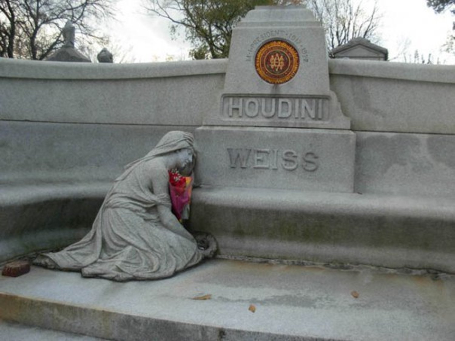 The weeping woman on Houdini's monument.