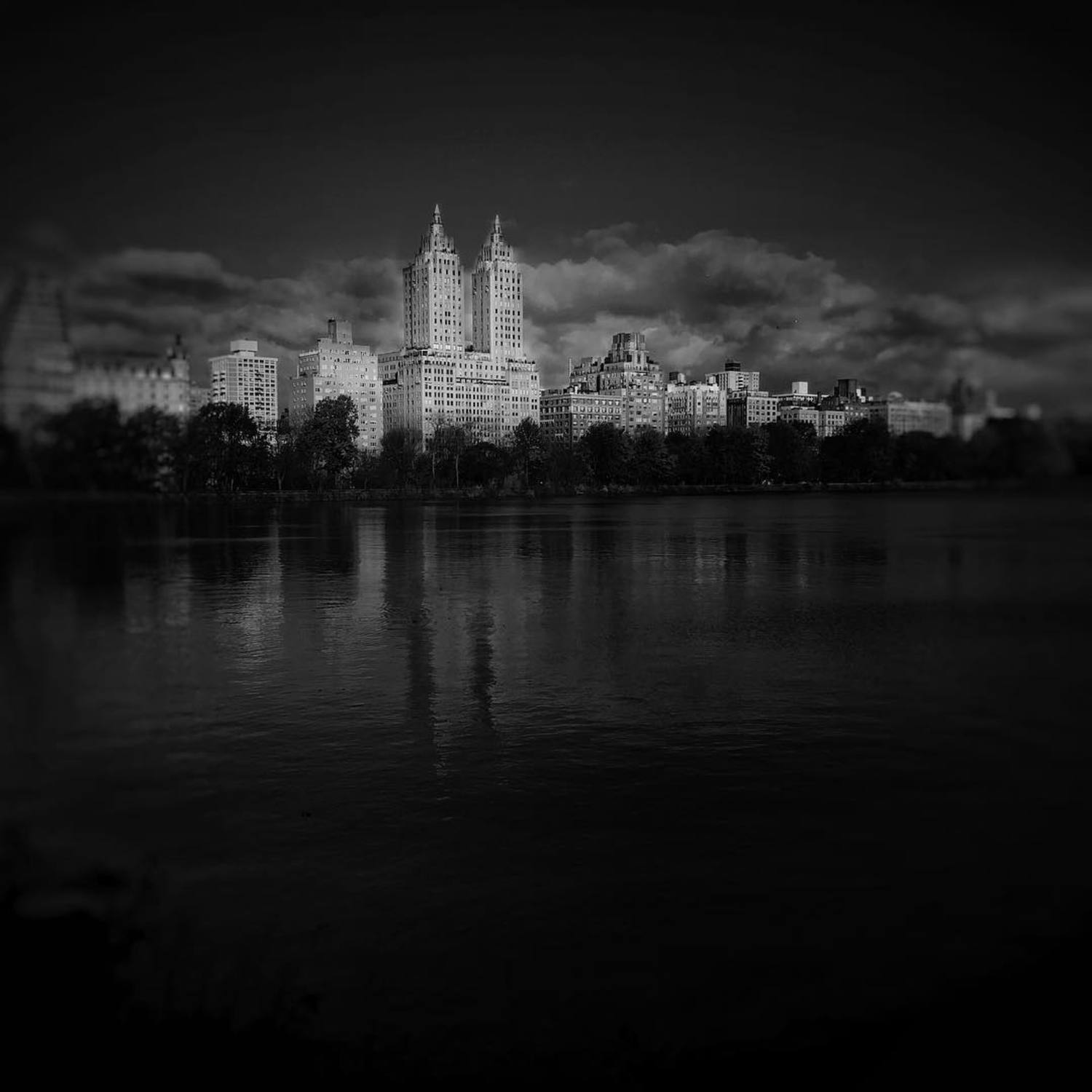 New York 30x11x16 #photo #photos #pic #pics #picture #photographer #pictures #snapshot #art #beautiful #instagood #picoftheday #photooftheday #blackandwhite #all_shots #exposure #composition #focus #capture #follow4follow #folkgood #monoart #like4like