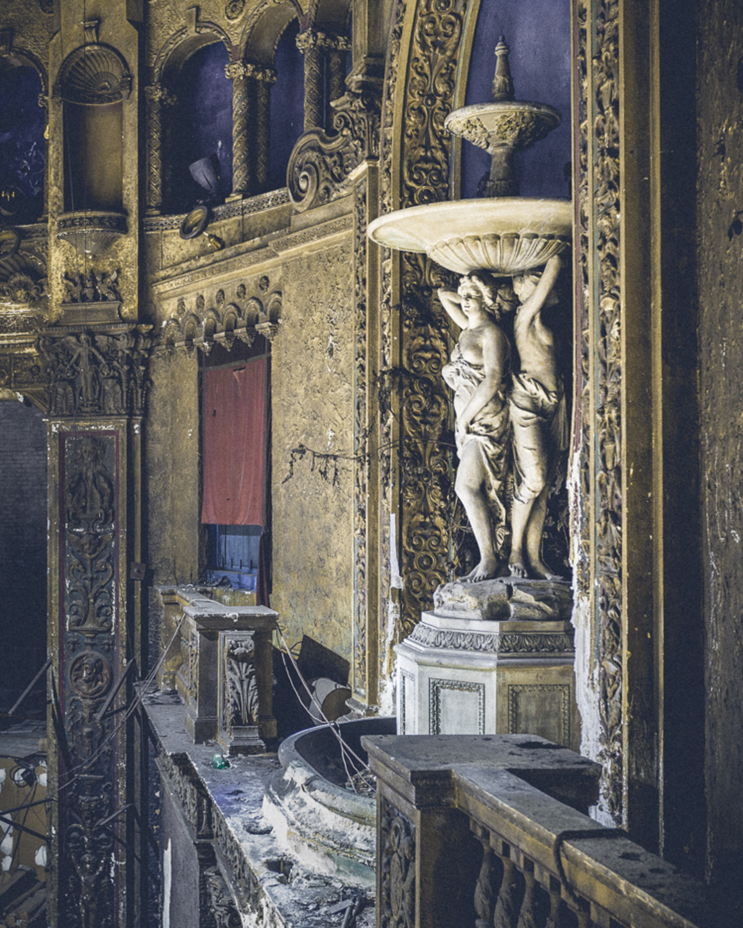 This classical fountain was the most striking feature of the theater's design.
