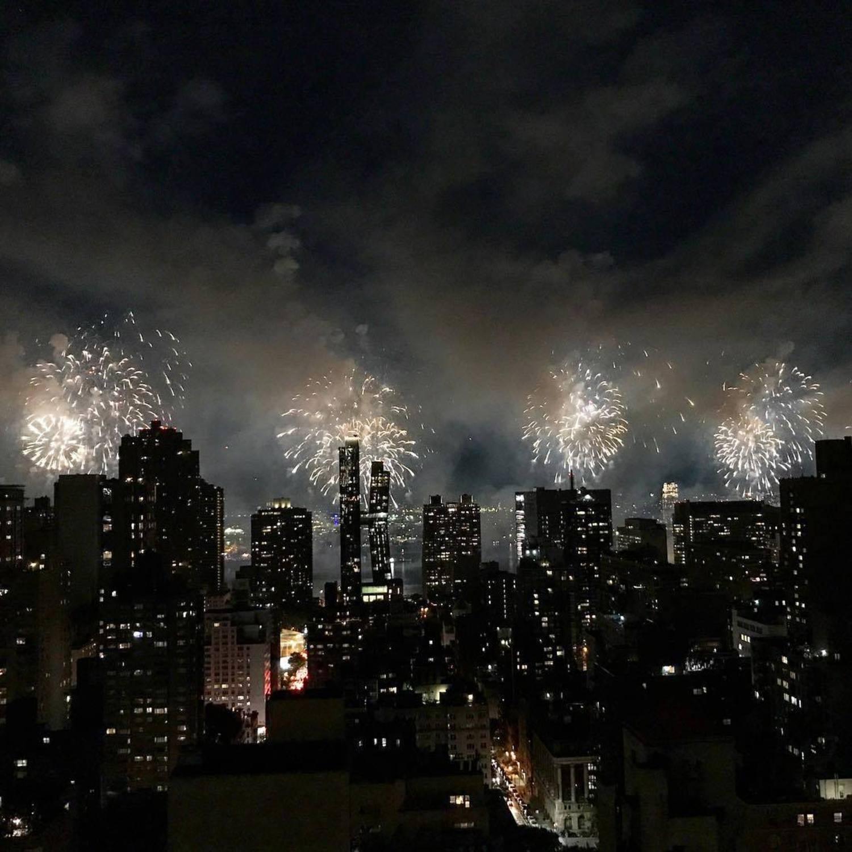 Gotham city fireflies ✨