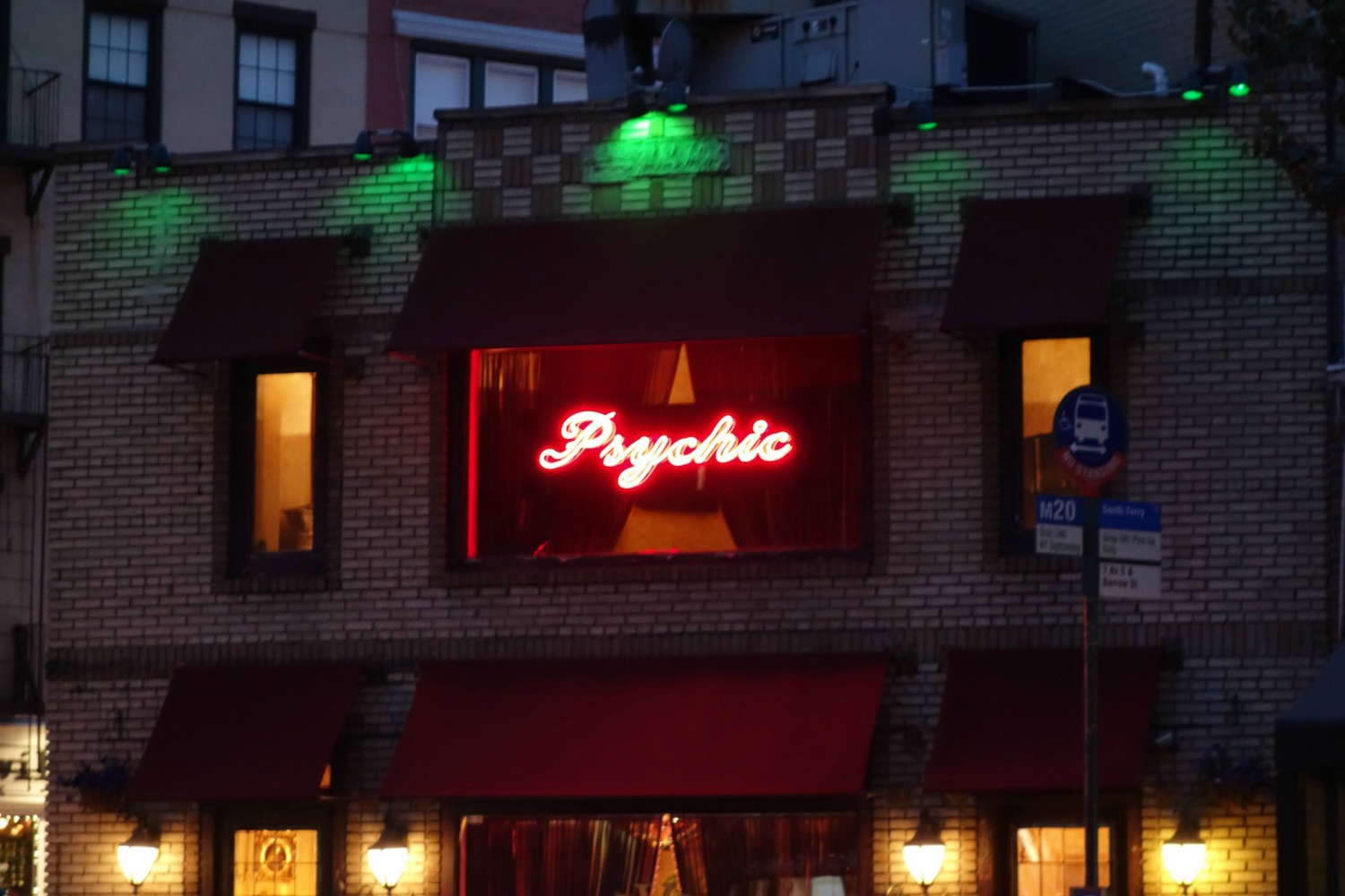 A (non-historic) psychic sign in neon