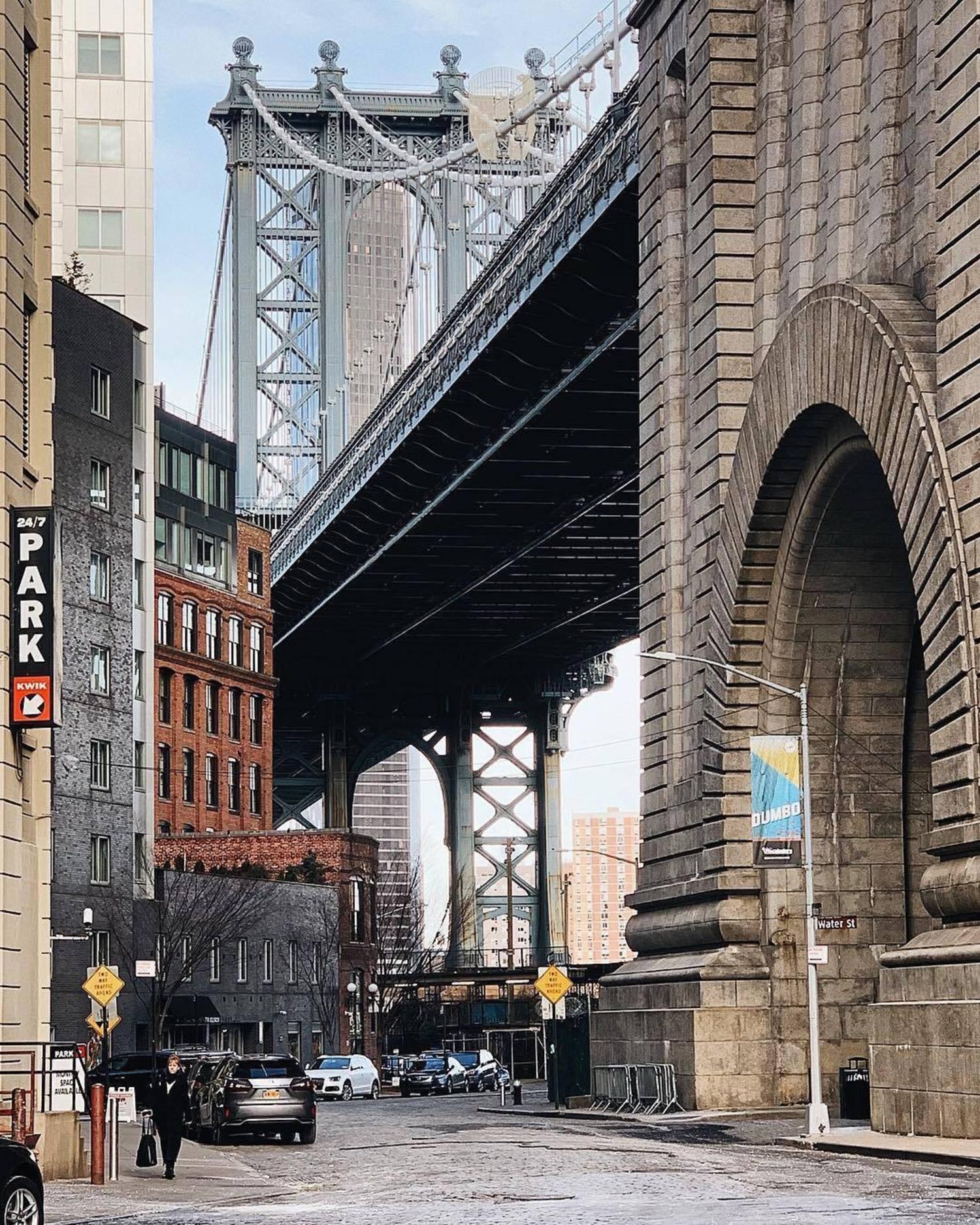 Dumbo, Brooklyn. Photo via @melliekr #viewingnyc #nyc #newyork #newyorkcity #manhattanbridge #dumbo