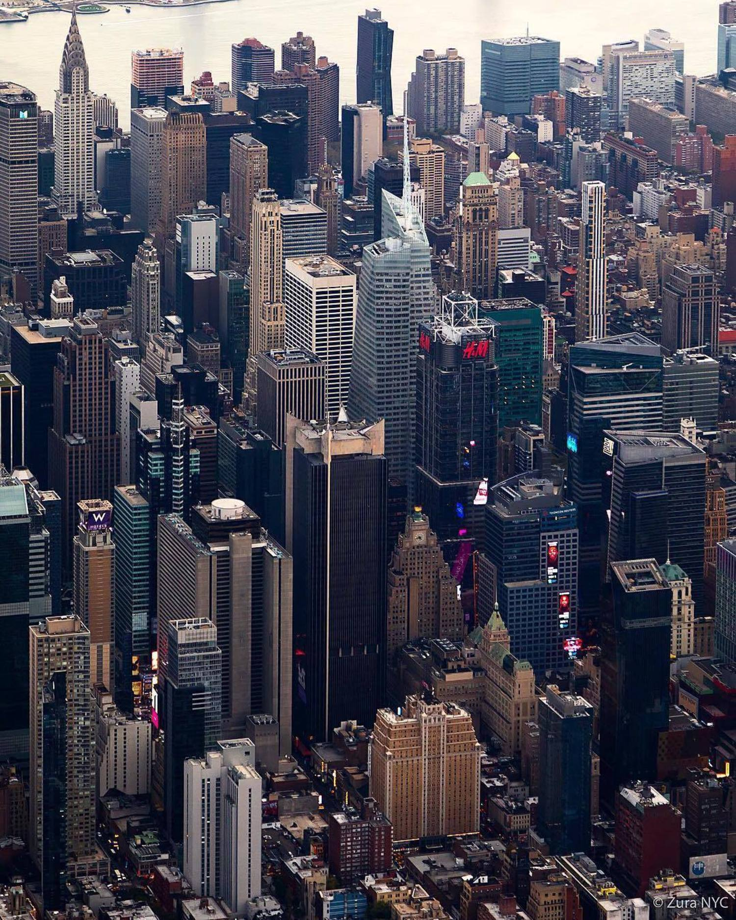 New York, New York. Photo via @zura.nyc #viewingnyc #newyork #newyorkcity #nyc