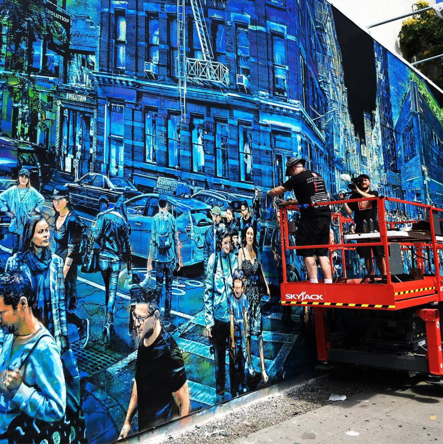 This vibrant visual story on the #BoweryWall by the talented @loganhicksny stopped me in my tracks today. We are each the sum of our experiences, and at the center of many of our most meaningful ones are the people who have taken steps with us on our journey. In this oft overloaded, always-on city, artists like Logan remind us to cherish and take time for walks with those that matter. #loganhicksbowerywall #loganhicksbowery #nyc #art