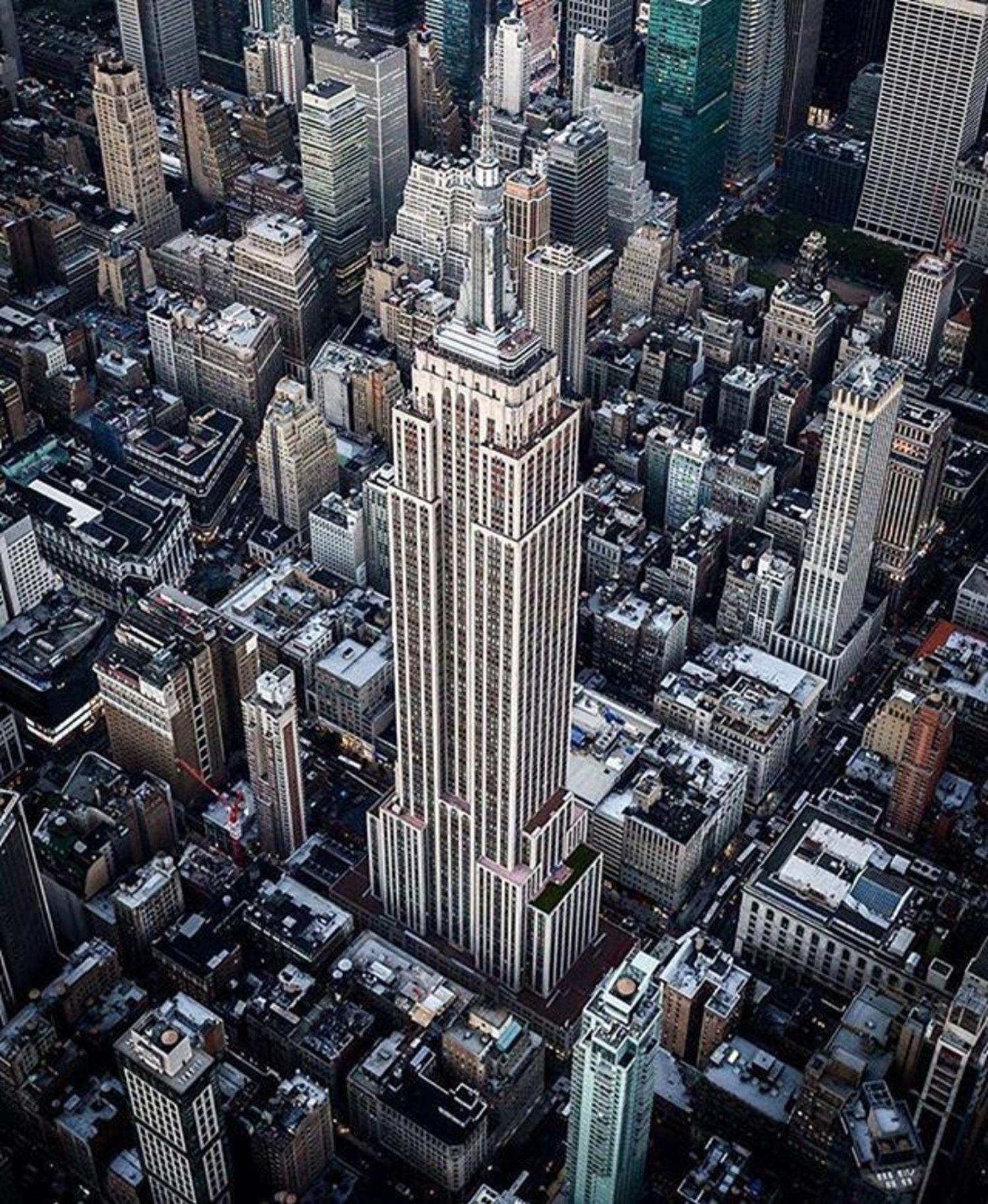 Empire State Building, New York City. Photo via @flynyon #viewingnyc #newyork #newyorkcity #nyc