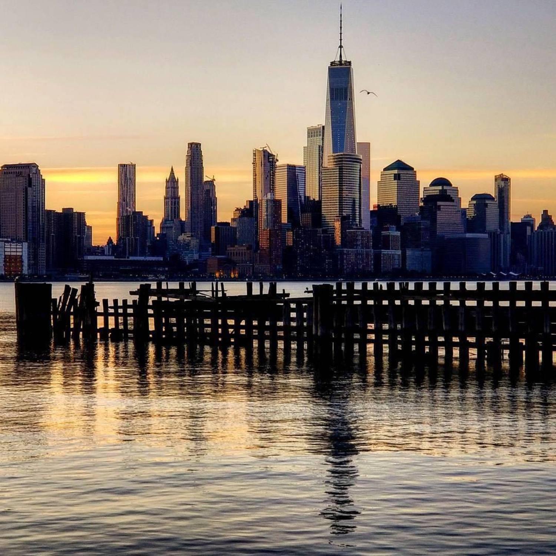 New York, New York. Photo via @qwqw7575 #viewingnyc #newyork #newyorkcity #nyc