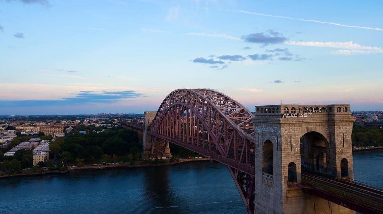Hell Gate Bridge, Queens, New York City. Photo vid @thebronxer #viewingnyc #newyorkcity #newyork