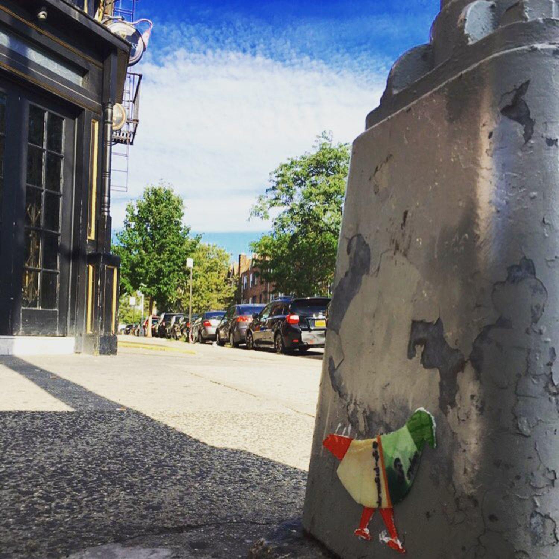 Pigeon 54 - 3rd Ave @ 68 St. #pigeon #3jollypigeons #bayridge #brooklyn #bar #nyc #streetlight #original #glass #art #nycstreetart #brooklynstreetart #graffiti #streetlightpigeon #gbpigeonnyc #gbwashere