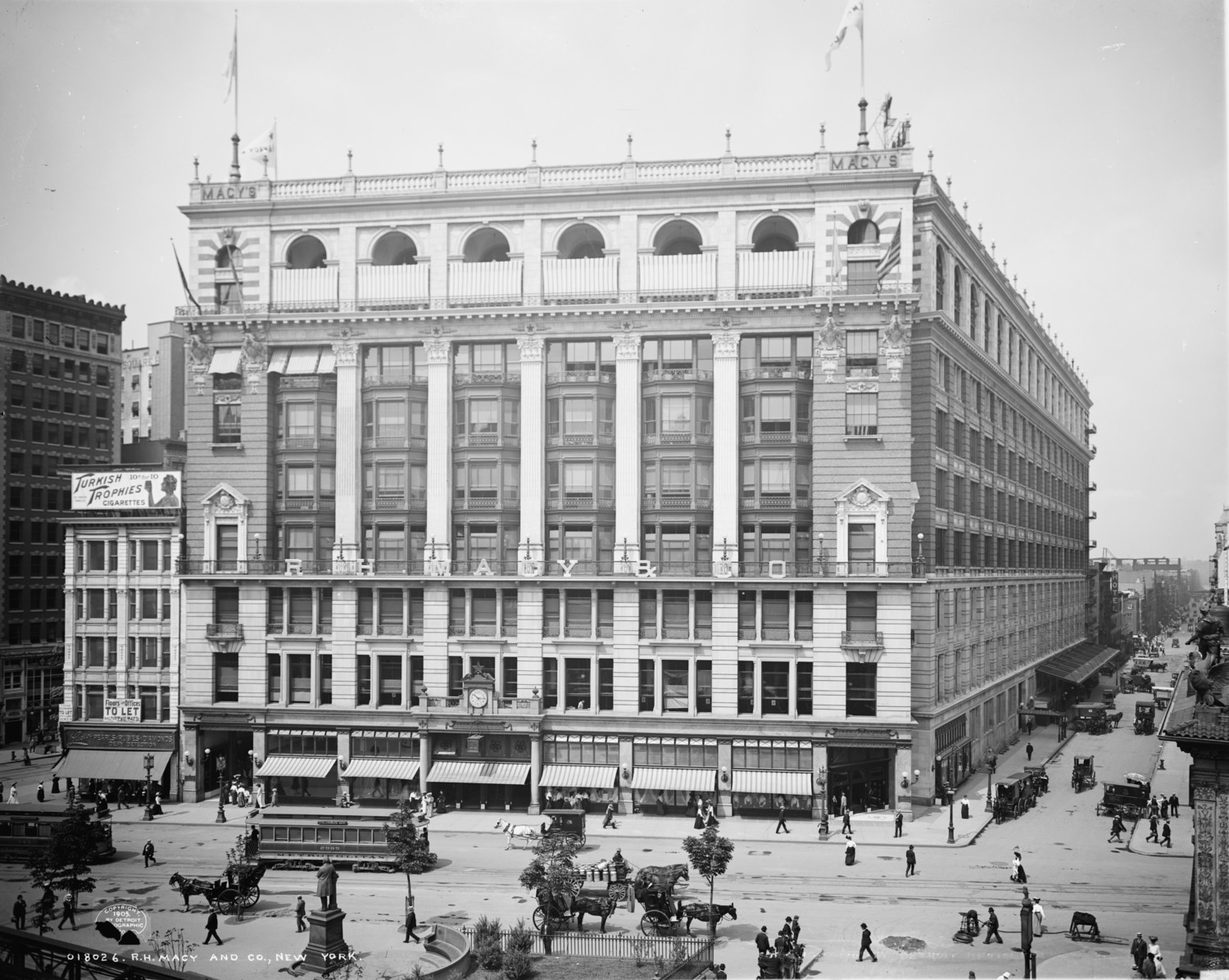 Around Macy's Herald Square – The Greatest Store In The World, 1905