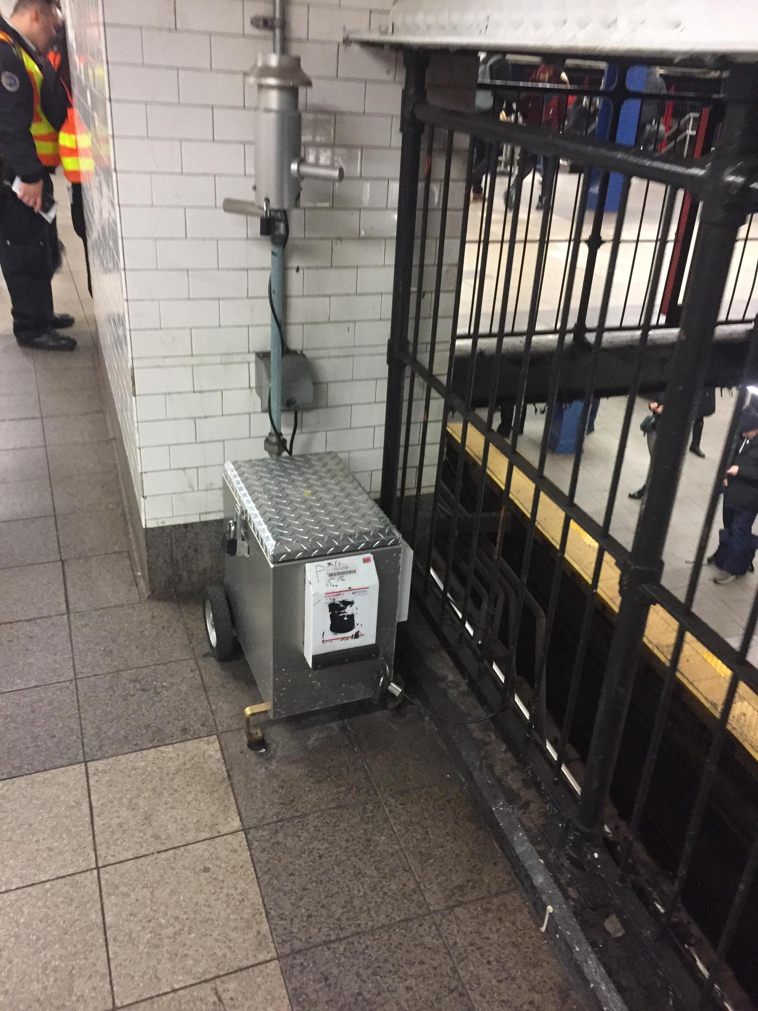 What is this machine? It's in some subway stations and it makes interesting noises.