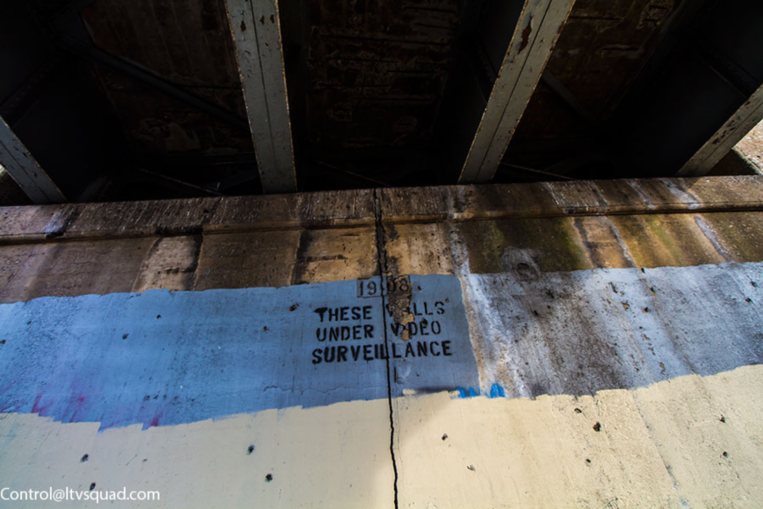1908 date under Hunterspoint Avenue overpass