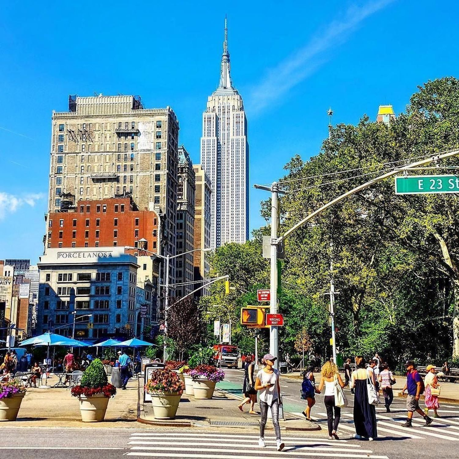 Flatiron Plaza, New York, New York. Photo via @nyc_russ #viewingnyc #newyorkcity #newyork