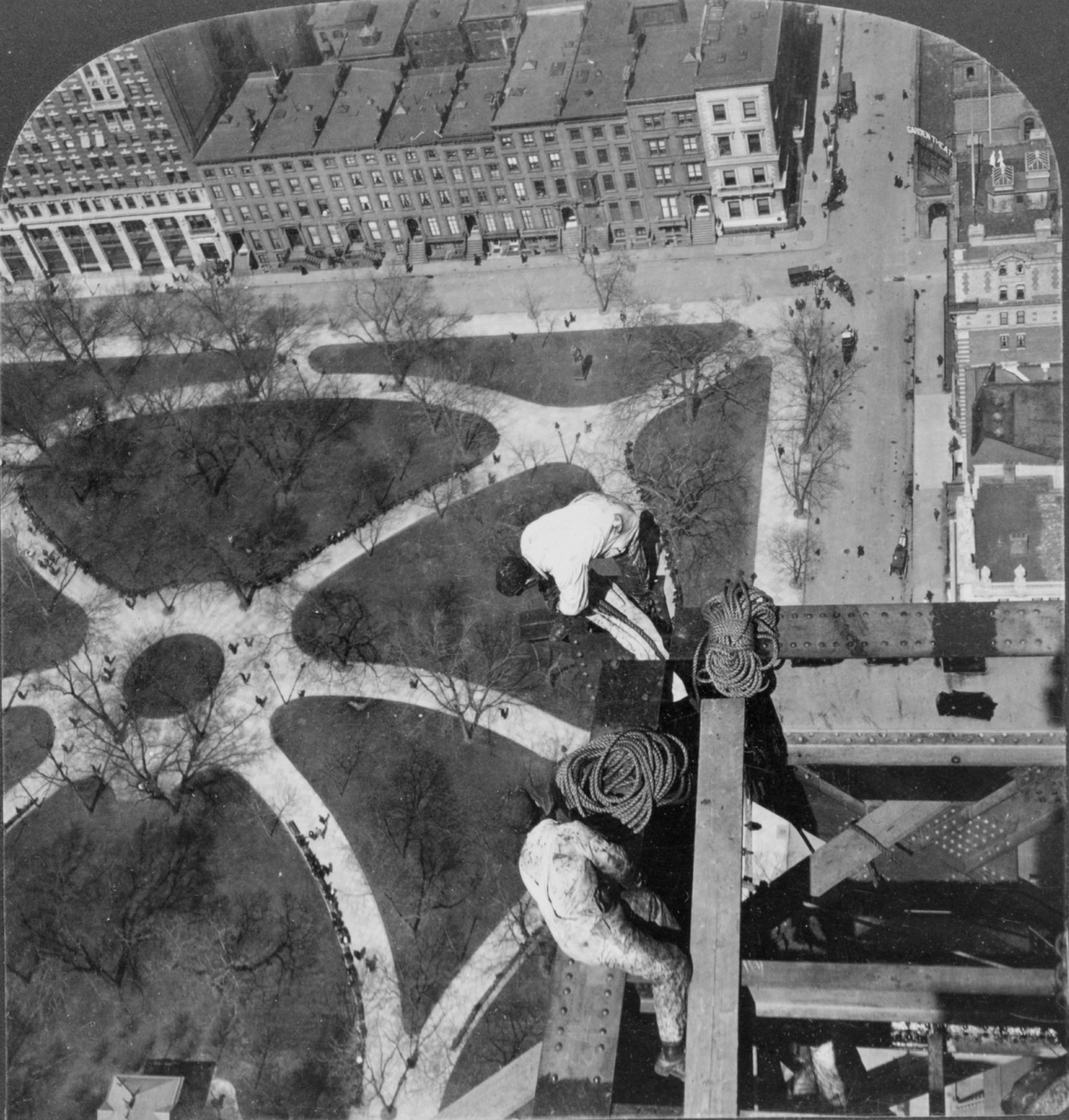 Looking Straight Down On Madison Square During The Construction Of The Metropolitan Life Tower - 1909