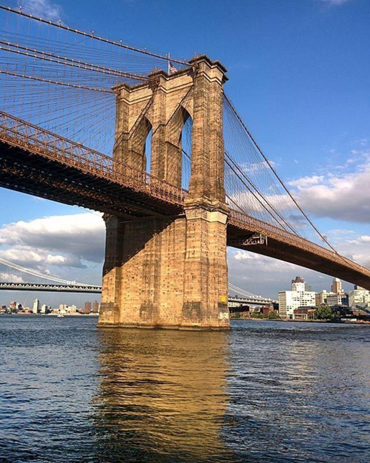 Brooklyn Bridge, New York. Photo via @orbit.er #viewingnyc #newyorkcity #newyork
