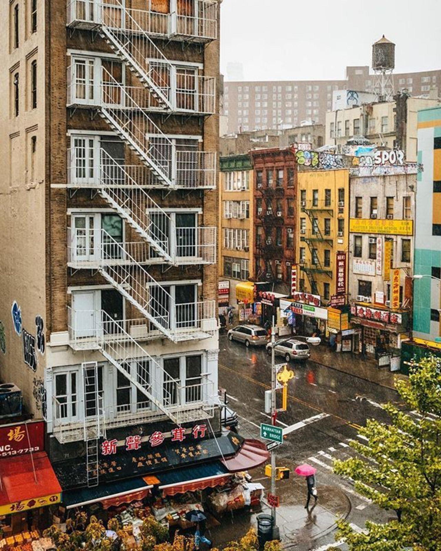 Chinatown, New York. Photo via @doubleshockpower #viewingnyc #newyork #newyorkcity #nyc