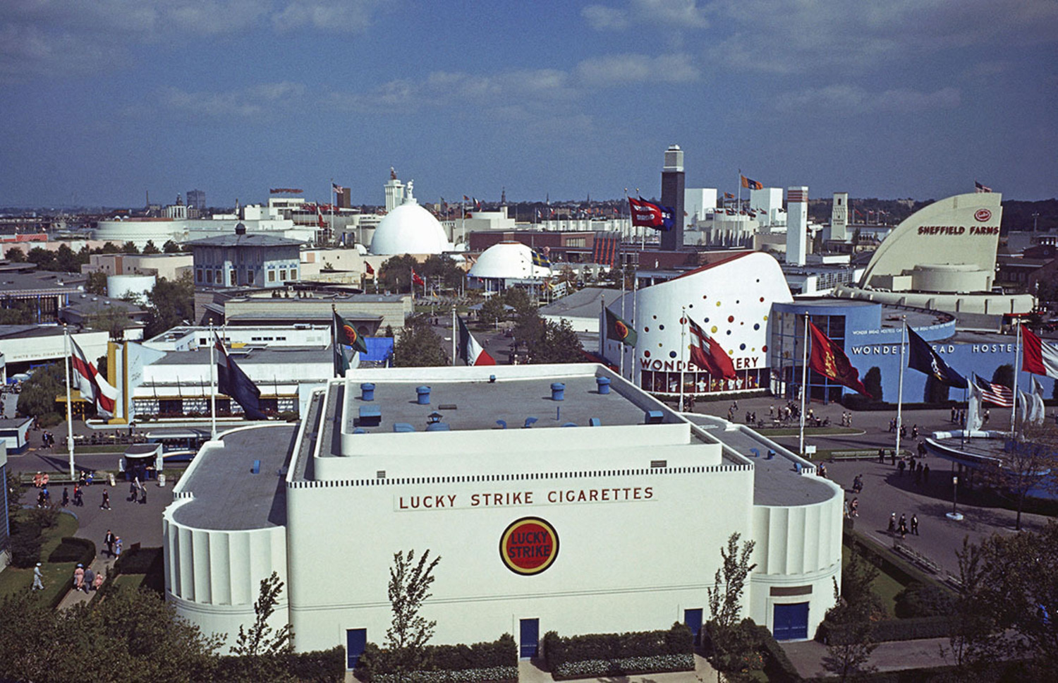 The Lucky Strike Cigarettes, Wonder Bread Bakery, and Sheffield Farms buildings stand on part of the grounds of the 1939 New York World's Fair.