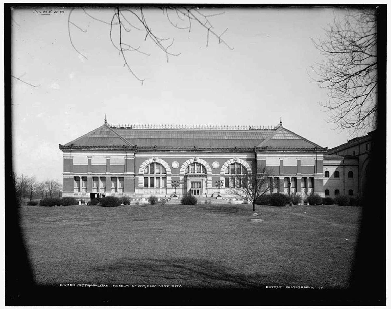 Metropolitan Museum of Art, New York City. Circa 1900