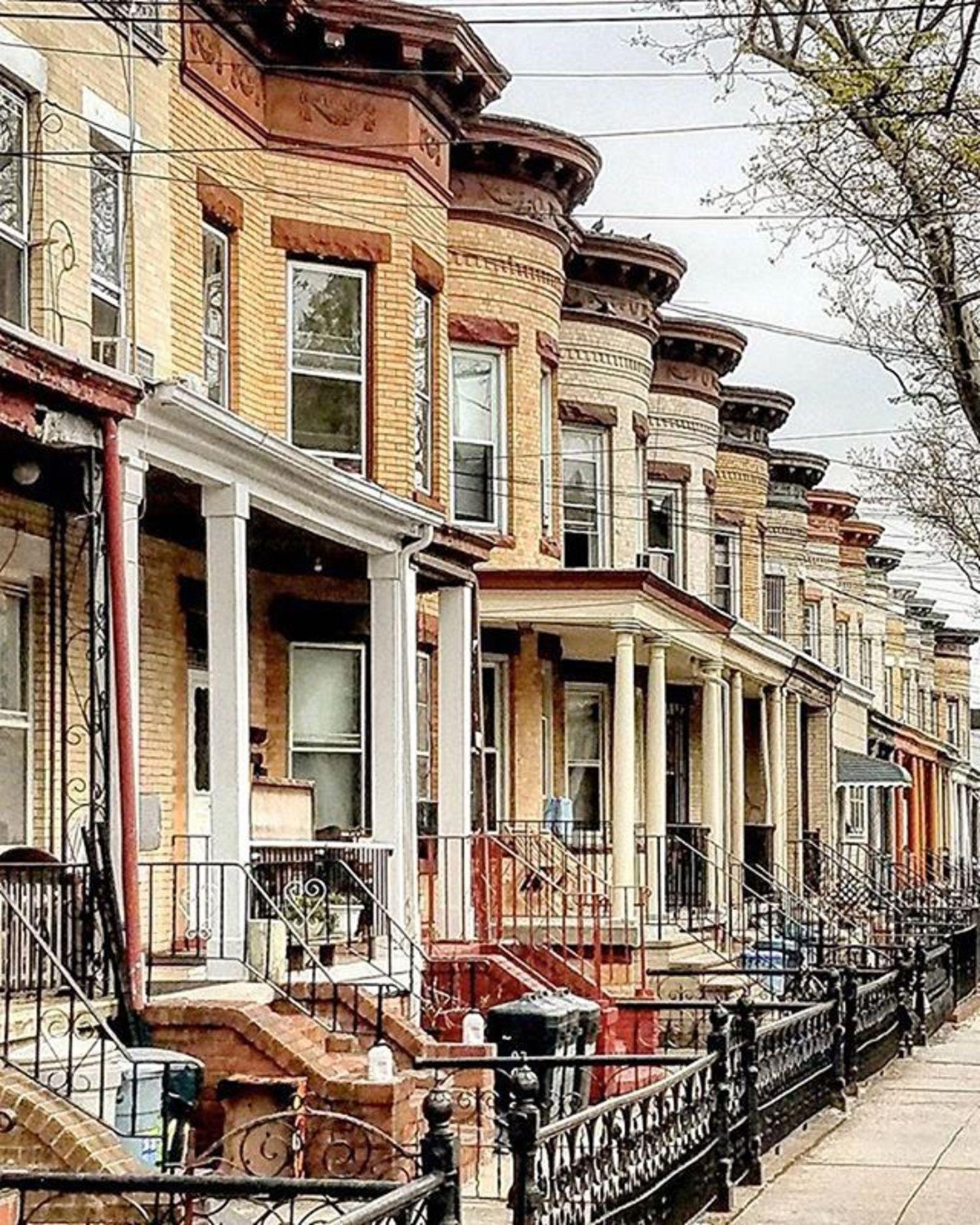 Woodhaven, Queens. Photo via @rochdalian #viewingnyc