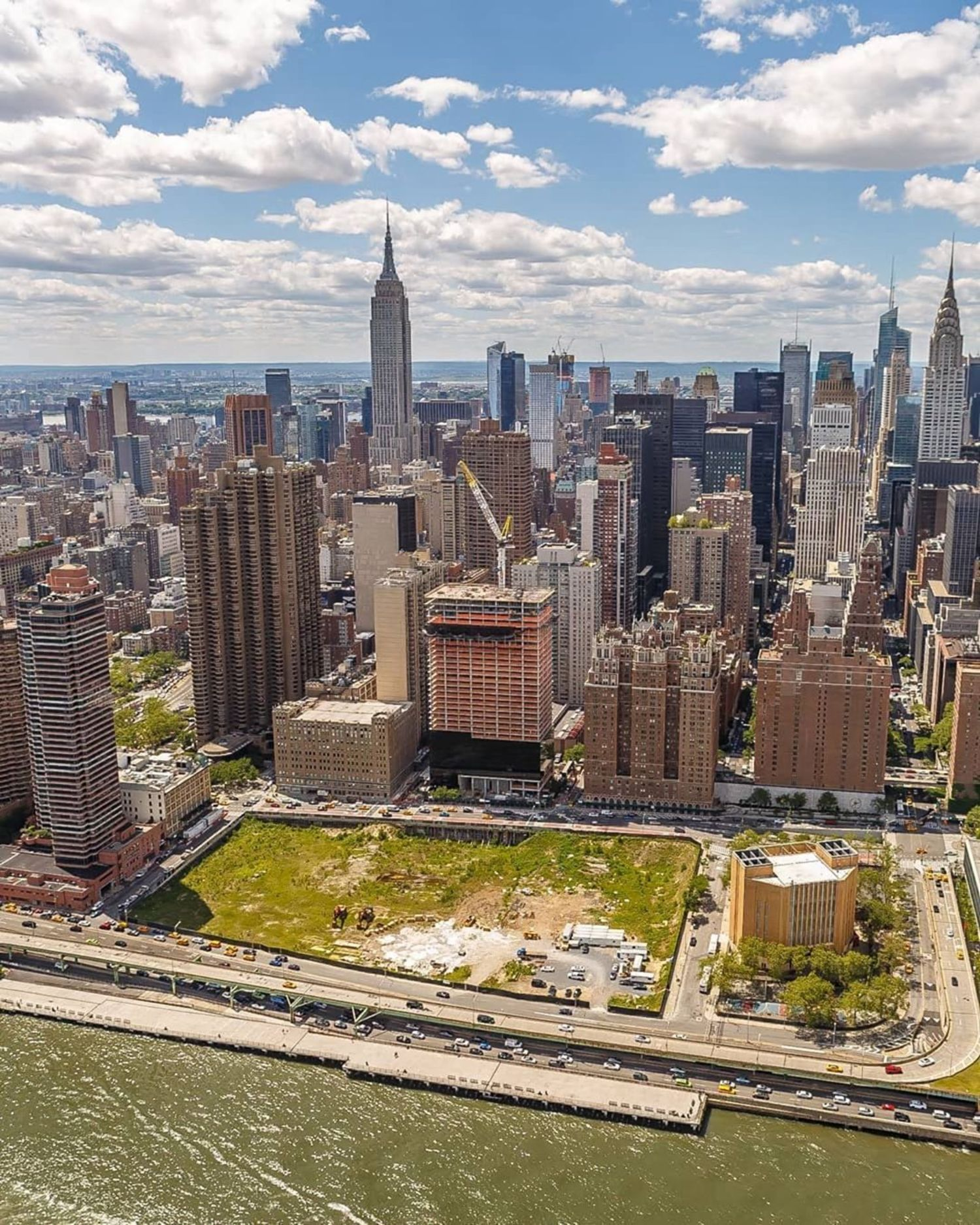 New York, New York. Photo via @killahwave #viewingnyc #nyc #newyork #newyorkcity