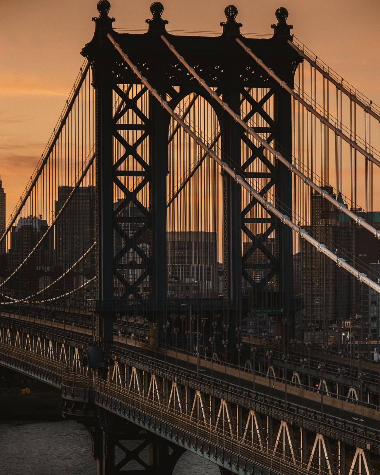 New light 🌅 w/ @kingy_kings @killakristennn @nyctme @phives @raluca305  ISO 1000 / 105mm f2.8 lens / F9 / 1/250sec / D4s        #nycprimeshot#icapture_nyc#iloveny#ig_nycity#igersofnyc#abc7ny #instagramnyc#imagesofnyc#nbc4ny#thisisnewyorkcity#city_of_newyork #vsconyc#newyork_instagram#wildnewyork#gf_nyc#nycdotgram#nydngram#made_in_ny#new_york_city_photo#nybynewyorkers#simply_newyork#nypix#topnewyorkphoto#seeyourcity#new_york_shots