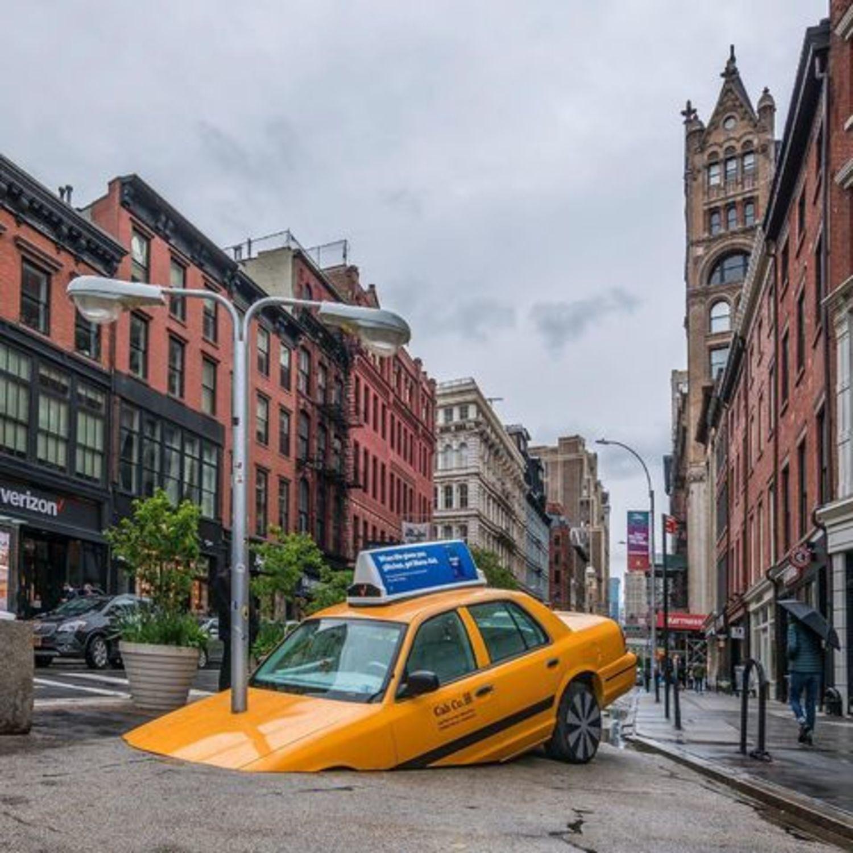 17th Street and Broadway, Union Square, Manhattan