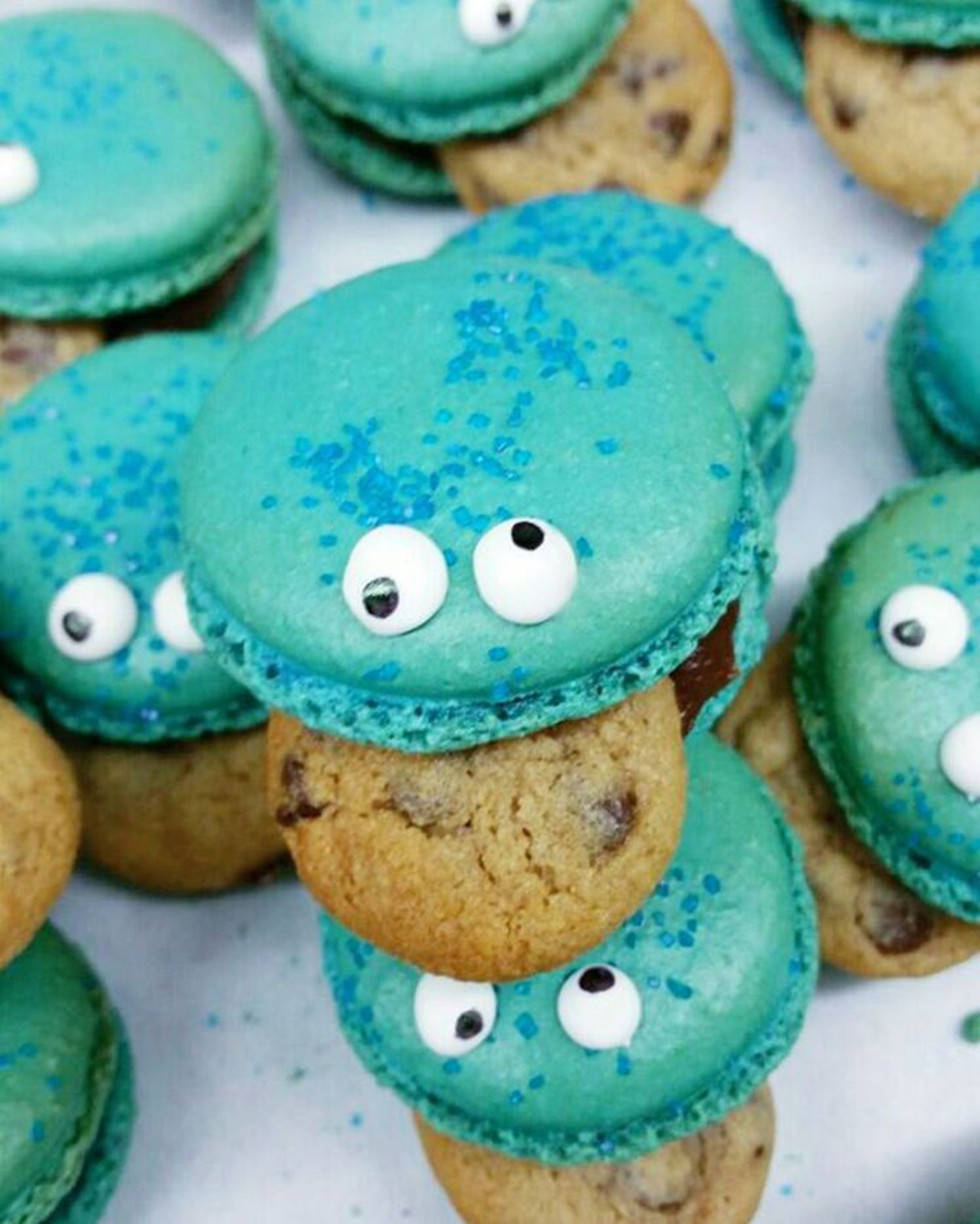We have a Cookie Monster invasion coming to Macaron Parlour this Sunday March 20 in honor of Macaron Day!! 👐🍪 & complete with a miniature version of our delicious chocolate chip cookie! These cuties will be for sale and a portion of the proceeds will go directly to City Harvest. Learn more about Macaron Day from the link in our bio 😊  #cookiemonster #cookies #tgif #macaronday #macarons #dessert #nycevents #eeeeeats #thefeedfeed #tasty #cisforcookie