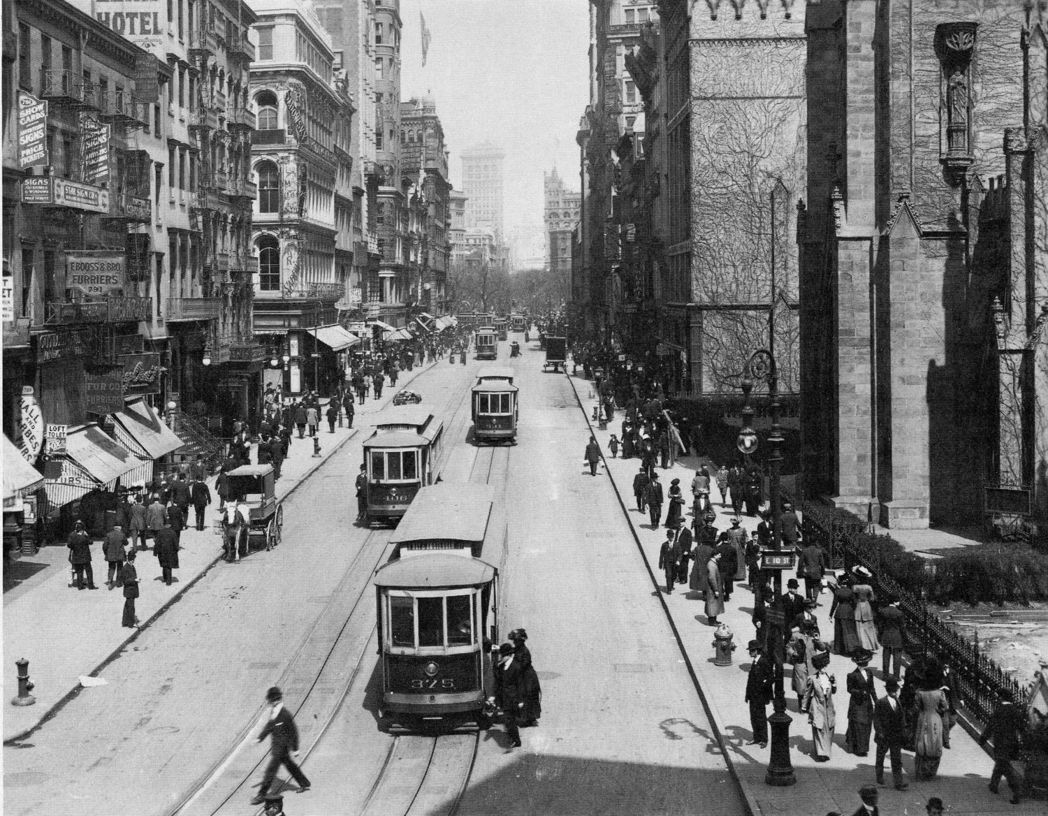Broadway and East 10th Street, New York City, 1911